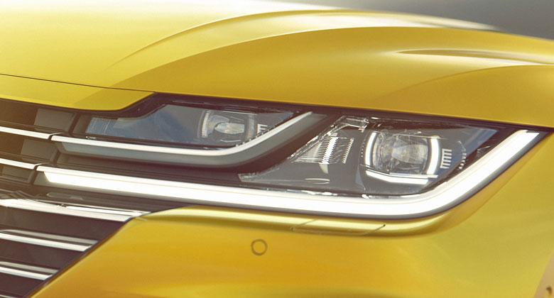 Volkswagen Arteon: Nástupce Passatu CC ukazuje příď a záď