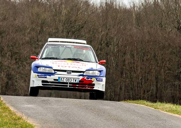 """Sébastien Loeb vyhrál rallye s """"historikem"""" Peugeot 306 Maxi. Druhá byla Fiesta WRC…"""