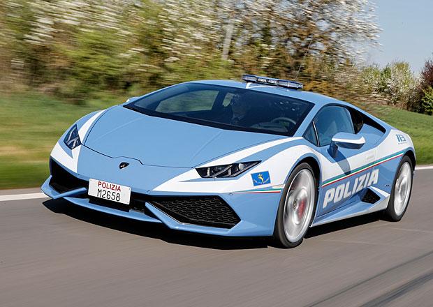 Italská policie dostala další lamborghini. Není na parádu, bude hlídkovat!