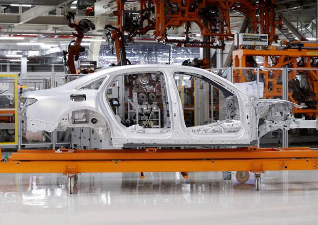Audi u nové generace A8 vsadí na jedinečnou kombinací materiálů
