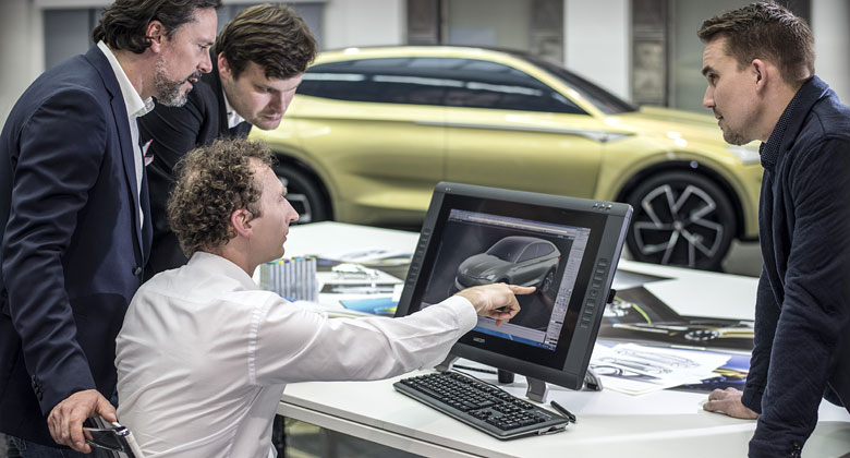 Škoda dala nahlédnout pod pokličku vývoje studie Vision E. Pomohla i virtuální realita