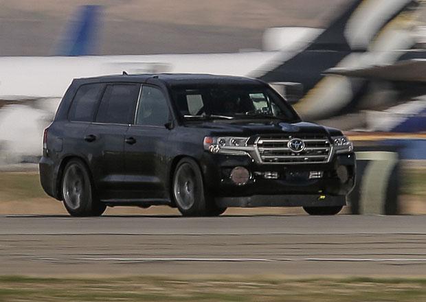 Nejrychlejší SUV na světě? Překvapivě Toyota Land Cruiser!