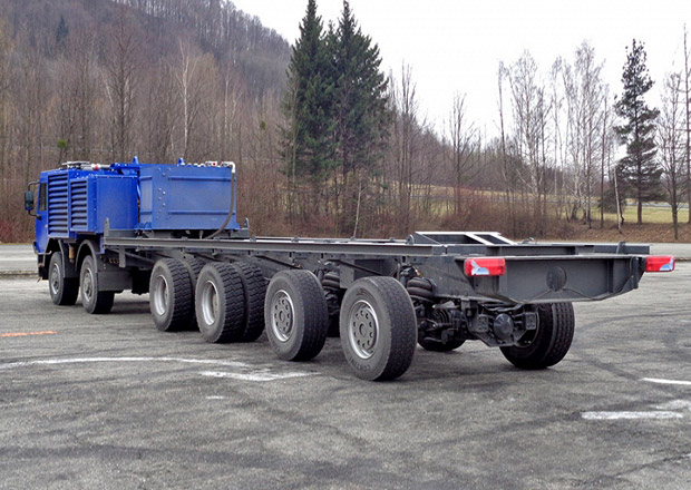 """Tatra Force 12x8 """"Streicher"""" 2017 jako základna pro vrtnou soupravu"""