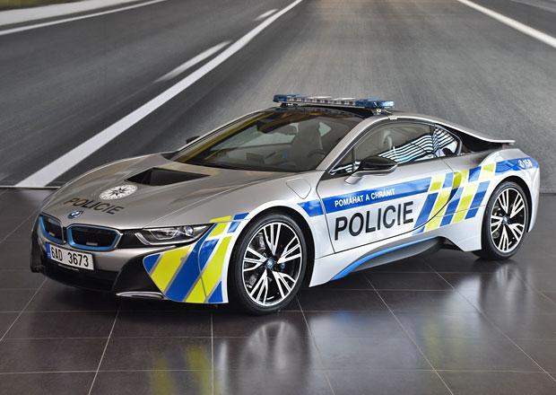 Policie ČR dostala BMW i8. Půl roku bude brázdit silnice jižní Moravy!
