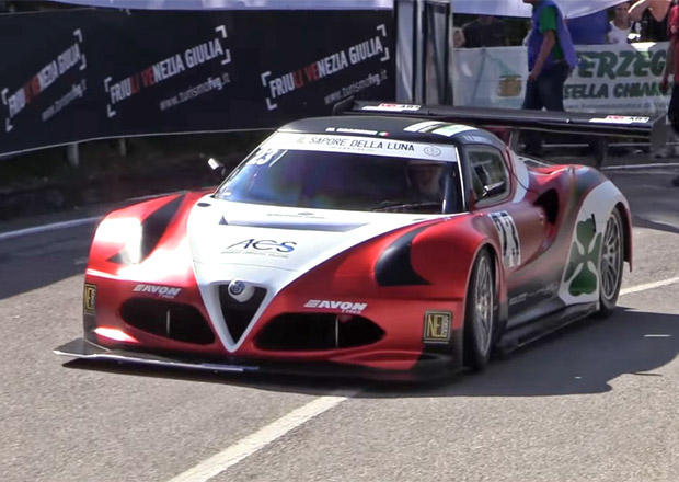 Video: Proč zní tahle Alfa Romeo 4C tak brutálně? Má motor z formule!