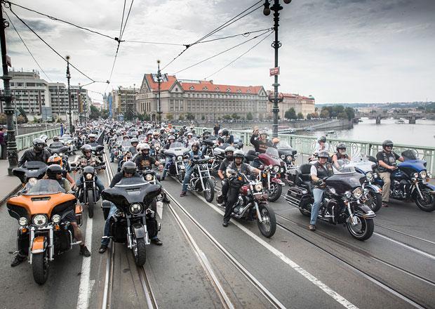 Na oslavy Harley-Davidson se do Prahy sjede na 60 tisíc motorkářů