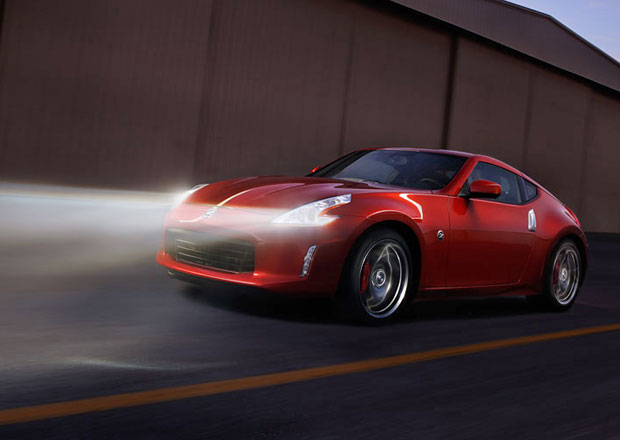 Nejlevnější šestiválcové kupé v Česku je Nissan 370Z. Nestojí ani 900 tisíc korun