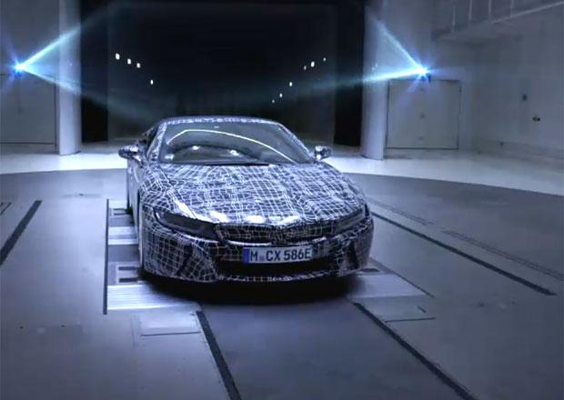 BMW i8 Roadster potvrzeno. Ukazuje se na prvním videu