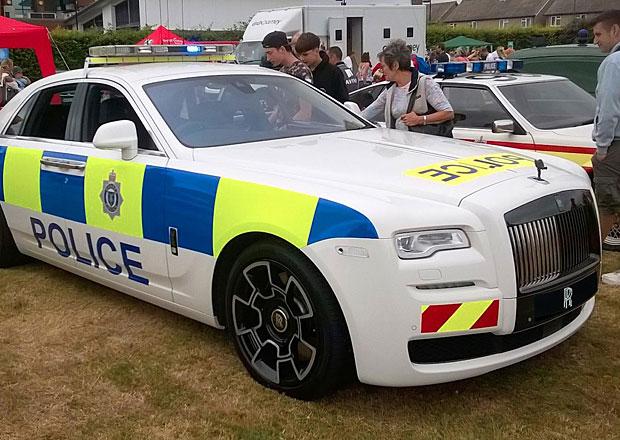 V Británii měli policejní Rolls-Royce Ghost! Bohužel jen naoko