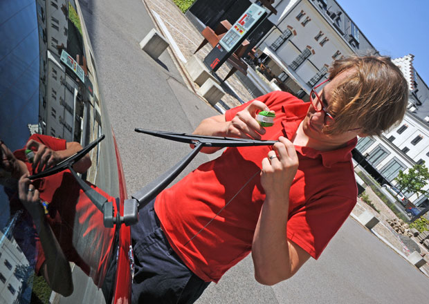 Vyzkoušeli jsme ořezávátko na stěrače: Funguje, nebo jde jenom o past na řidiče?