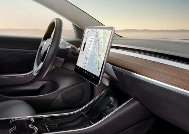 Tesla Model 3 se obejde bez klíčku. K odemčení stačí smartphone!