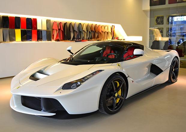 Zisk Ferrari znovu výrazně vzrostl. Díky vyšším prodejům