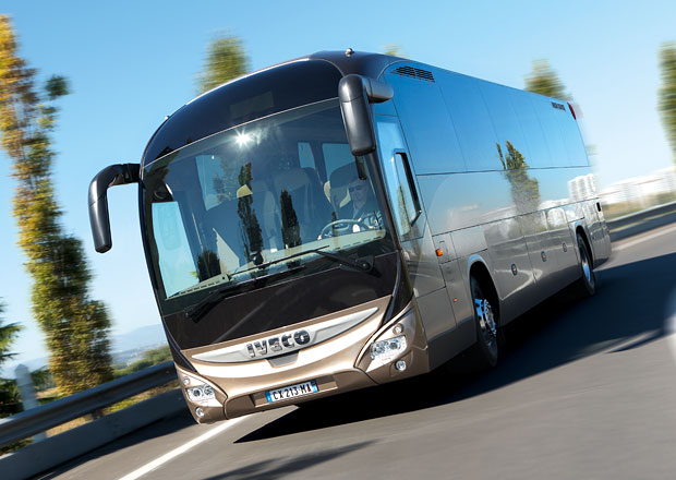 Iveco Bus pro zájezdy: Dva typy