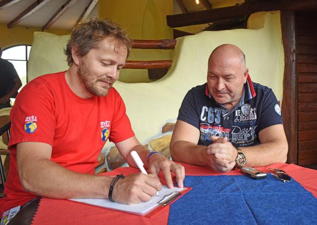 Rozhovor s Michalem Davidem: Když zní píseň dobře v autě, bude hrát skvěle všude!