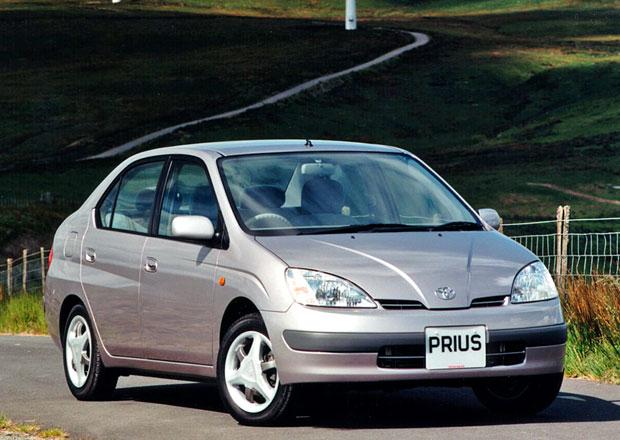 Toyota Prius XW10 (1997-2003): První hromadně vyráběný hybrid světa má 20 let!