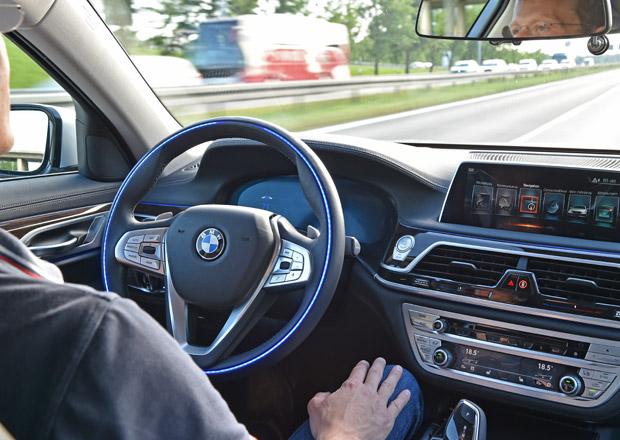 Dopravní hřiště za miliardy. V západních Čechách budou jezdit auta bez řidiče