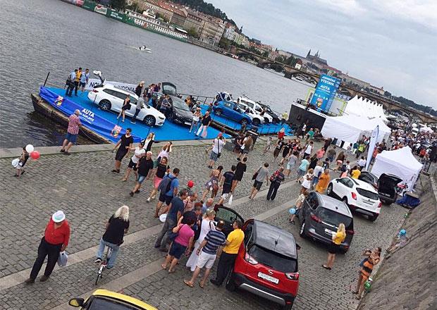 Auta na náplavce: Všechny vystavené automobily podrobně! (videa)