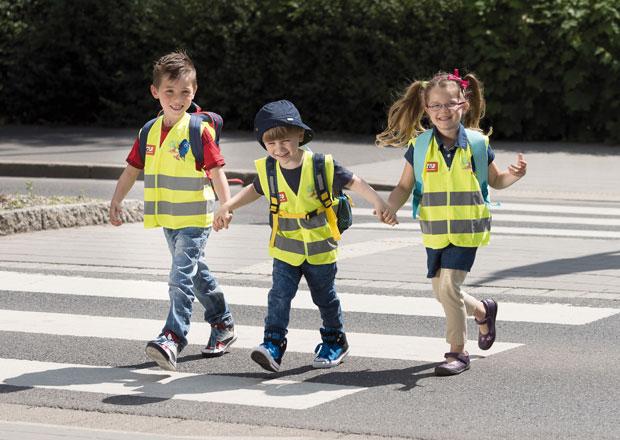 Školní rok je opět tady. Řidiči, dávejte pozor na děti v ulicích!