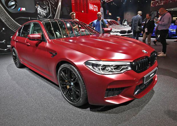 Rudé zjevení ve Frankfurtu: BMW M5 Frozen Red vás rozloží na atomy! Bude jich jenom 400