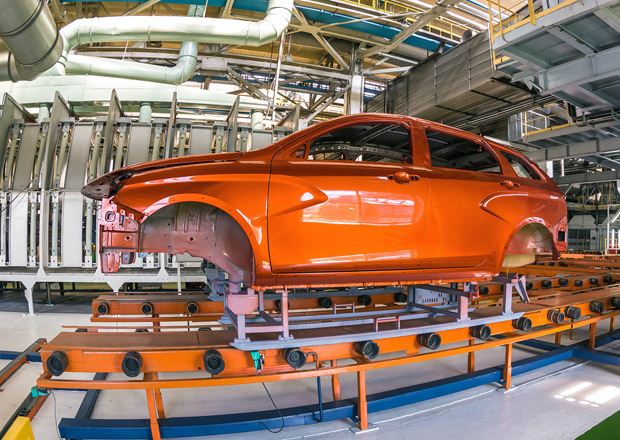 Lada zahajuje výrobu kombíku Vesta SW. Novinkou je i oplastovaná Vesta SW Cross