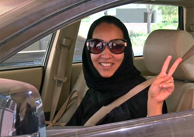 Ženy v Saúdské Arábii budou mít povolení řídit auto