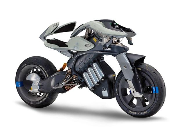 Yamaha přináší umělou inteligenci mezi motorky. Na jezdce prý reaguje jako živá
