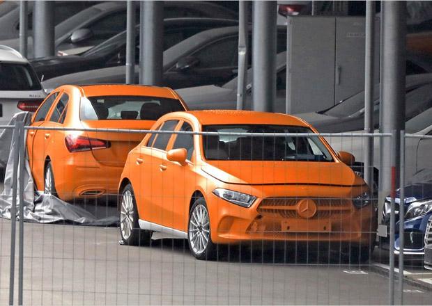 První fotky nového Mercedesu třídy A. Ukáže se v Ženevě