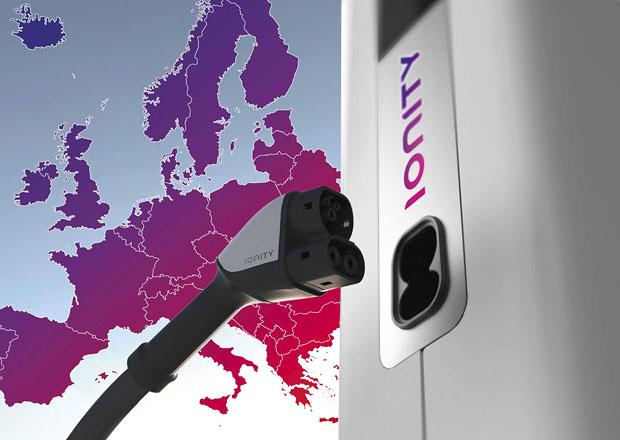 Skupina automobilek chce vytvořit evropskou síť dobíjecích stanic