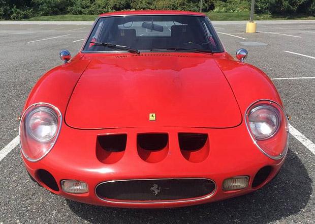 Toto Ferrari 250 GTO je ve skutečnosti... Tipnete si?