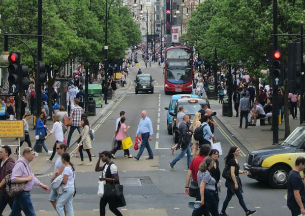 Zbláznil se i Londýn. Z Oxford Street bude pěší zóna už za rok