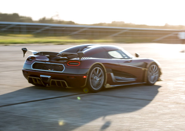 Koenigsegg ujel všem. Na pět světových rekordů mu stačil jediný víkend