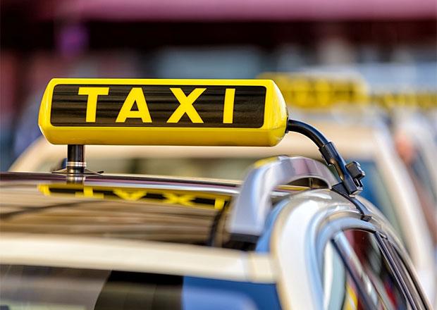 Protest taxikářů v Praze ve středu bude, předem se lidem omluvili