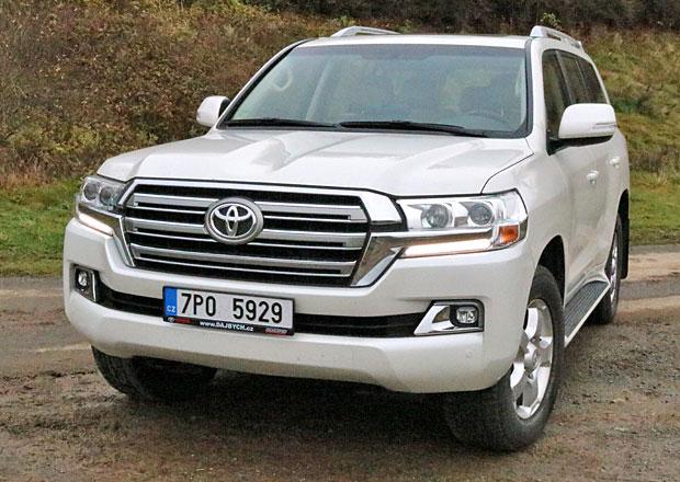 Krátké svezení s Toyotou Land Cruiser. Tou osmiválcovou! Víte, že ji pořád koupíte i v ČR?