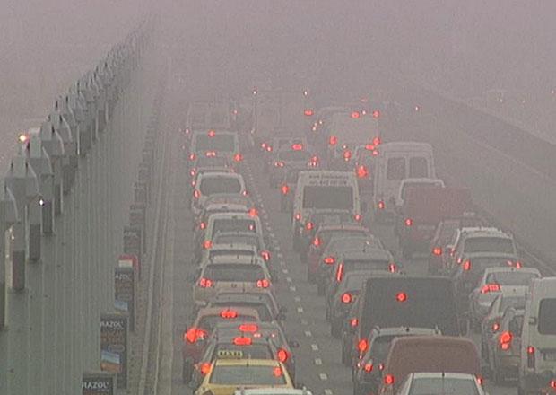 Omezení dopravy v Praze při smogu asi nebude, způsobilo by kolaps