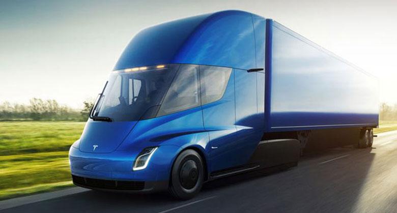 Tesla konečně odhalila nákladní Semi. Slibuje parádní dojezd i zrychlení na úrovni sporťáků