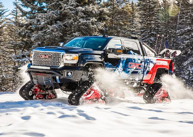 GMC Sierra 2500 HD All Mountain s pásy místo kol vyráží k zasněženým vrcholům hor
