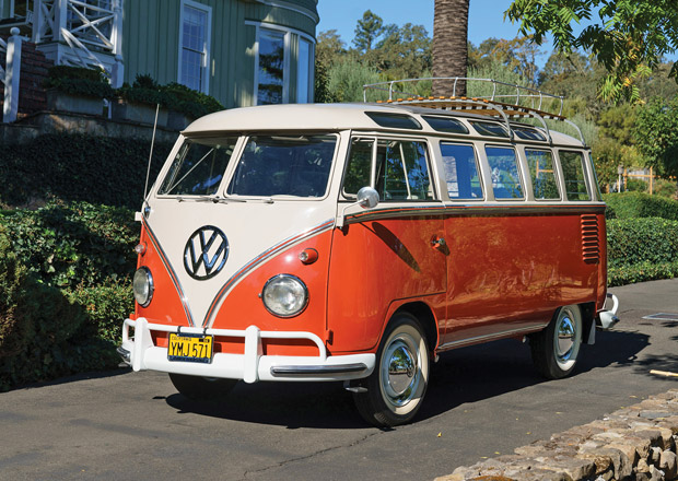 Ikonický minibus VW stál v devadesátkách pár korun. Dnes cenou předčí i Porsche 911