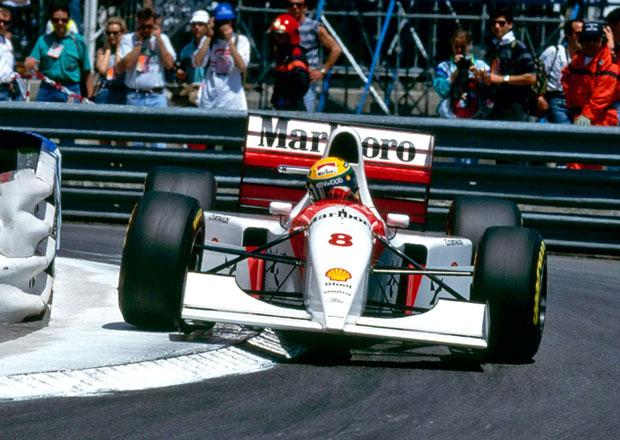 Jste fanouškem Ayrtona Senny? Kupte si monopost zřejmě nejlepšího závodníka F1!