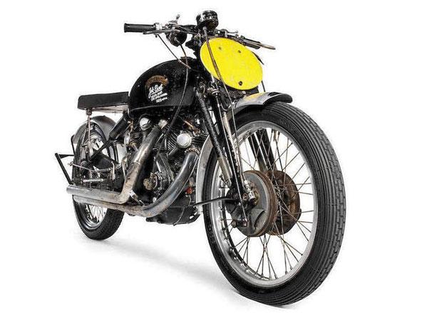 Vincent Black Lightning za 19 milionů korun je nejdražším vydraženým motocyklem