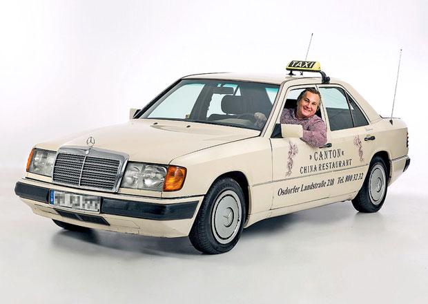 Taxík Mercedes-Benz 200 D ujel 1,3 milionu kilometrů. Ve šrotu určitě neskončí