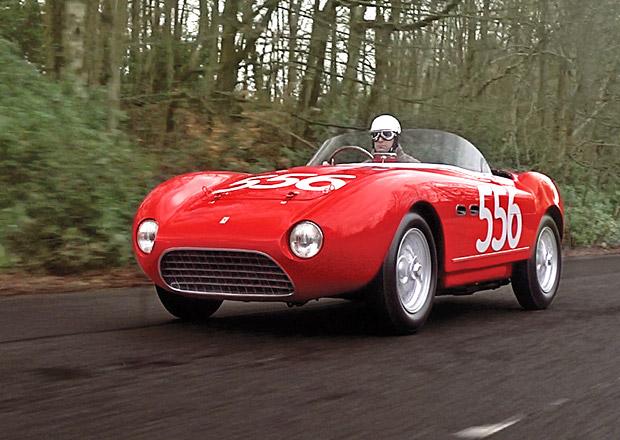 Jedno ze třinácti vzácných Ferrari je na prodej. Stojí ranec