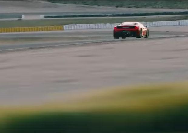 Ferrari láká na nové 488 GTO. Naznačuje, že bude rychlejší než jeho závodní auta