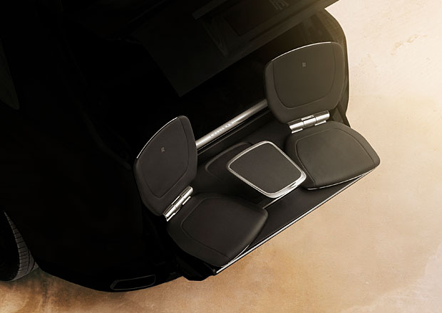 Rolls-Royce Viewing Suite: Superluxusní křesla pro Cullinan majitele rozmazlí