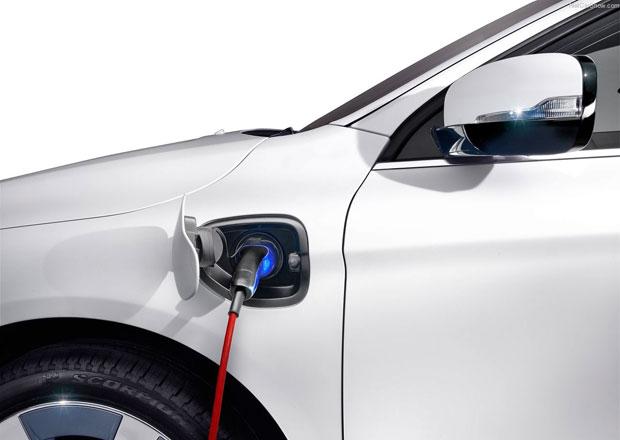 Volvo slibuje polovinu všech aut čistě elektrických. Už za pár let!