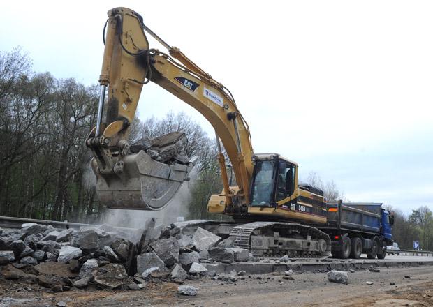 D1 se ani do roku 2021 nestihne opravit, míní exministři