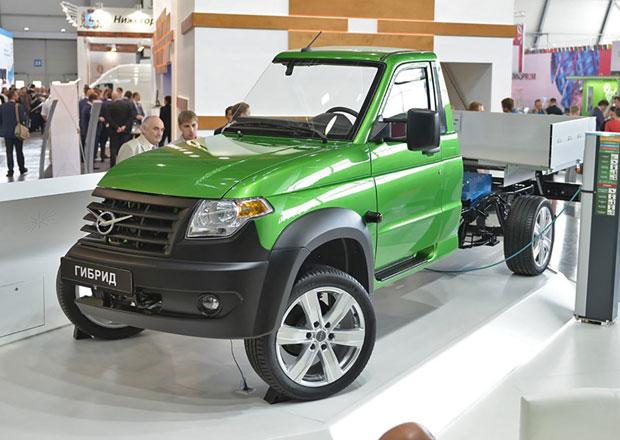 UAZ nabídne hybridní pohon. Od roku 2020...