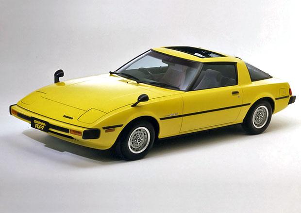 Mazda RX-7 (1978-1985): První generaci sporťáku s rotačním motorem je čtyřicet