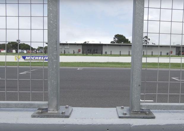 Brabham BT62 se odhalí počátkem května, vidět jej ale můžete už teď! I když...