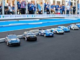 Závod vodíkových autíček: Proč nestačila dráha?