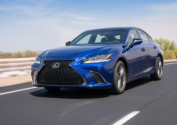 Lexus ES oficiálně: Předokolka nahrazující GS chce provokovat designem